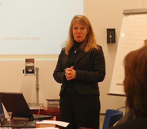 Minna Takala, presenting